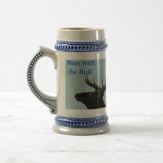 E0011 Bullのオオシカのシルエット ビールジョッキ