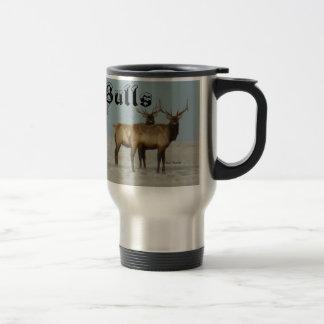 E0018 Bullのオオシカの冬の雄牛 トラベルマグ