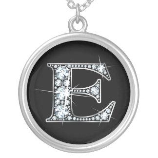 """""""E""""のダイヤモンドのきらきら光るなネックレス シルバープレートネックレス"""