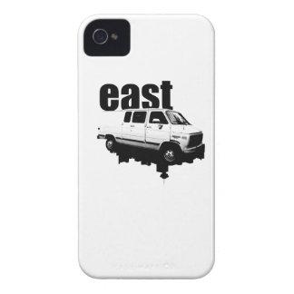eastVANのスカイラインのデザインのブラックベリーのはっきりしたな箱 Case-Mate iPhone 4 ケース
