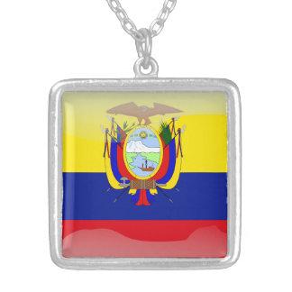 Ecuadorianの光沢のある旗 シルバープレートネックレス