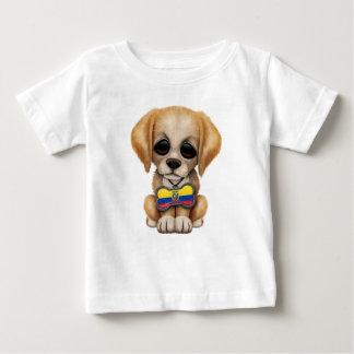 Ecuadorianの旗のドッグタッグを持つかわいい子犬 ベビーTシャツ
