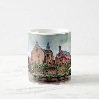 Eguisheim、アルザス、フランスの聖者レオンの噴水 コーヒーマグカップ