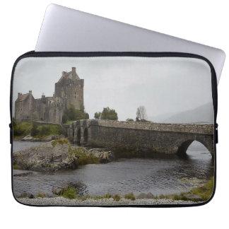 Eilean Donanの城のスコットランドコンピュータ袖 ラップトップスリーブ