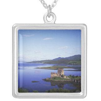 Eilean Donanの城、Dornieの高地、 シルバープレートネックレス
