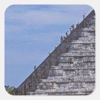 Elの台なしの階段に上っている観光客 スクエアシール
