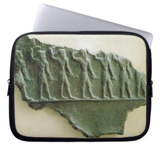 Elamiteの戦士の行列、Susa、イラン、Elamit ラップトップスリーブ