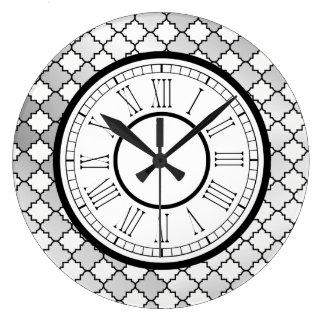 Elegant Silver Quatrefoil Pattern ラージ壁時計