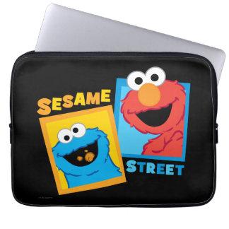 Elmoおよびクッキーモンスターの友人 ラップトップスリーブ