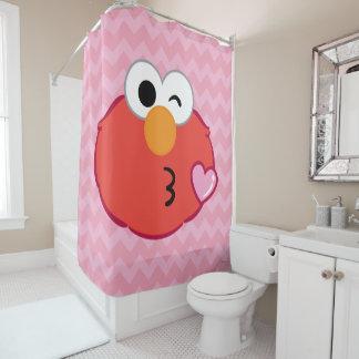 Elmoはキスの投げに直面します シャワーカーテン