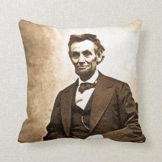 Emancipatorのエイブラハム・リンカーンの素晴らしいヴィンテージ クッション