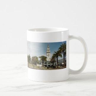Embarcaderoサンフランシスコの白のマグ コーヒーマグカップ