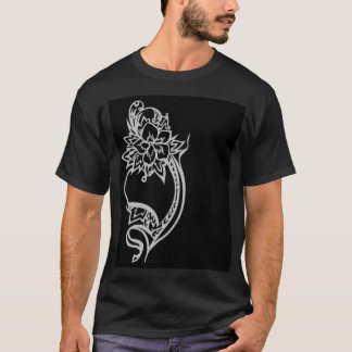 Embelishedのハート Tシャツ