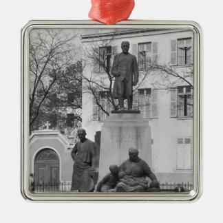 Emile Zolaへの記念碑 メタルオーナメント