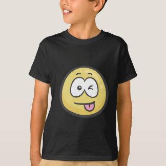 Emoji: スタックした舌およびまばたきの目が付いている顔 tシャツ