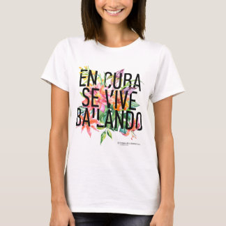 EnキューバSe Vive Bailandoの女性のTシャツ Tシャツ