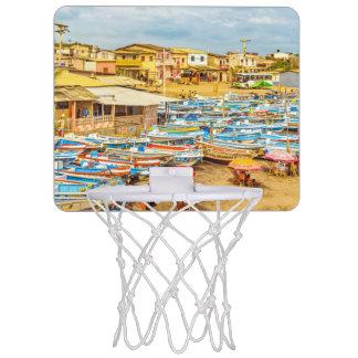 EngabaoのビーチのGuayasの地域エクアドル ミニバスケットボールゴール