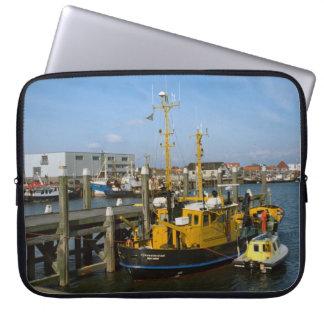 Enkhuizen、モダンな港の容器および設備 ラップトップスリーブ