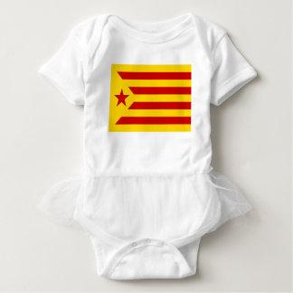 Estelada Roja - Banderaのindependentista Catalana ベビーボディスーツ