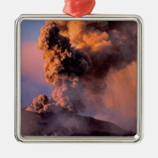 EU、イタリア、シシリーのエトナ火山の頂上の出口 メタルオーナメント