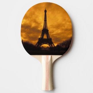 EU、フランス、パリ。  エッフェル塔 卓球ラケット