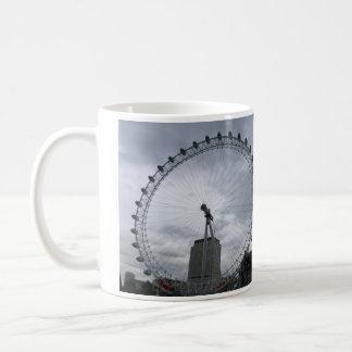 Eye'veによってロンドンの見られるマグ コーヒーマグカップ
