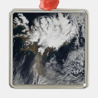 Eyjafjallajokullの火山、Icelanからの灰の羽毛 メタルオーナメント