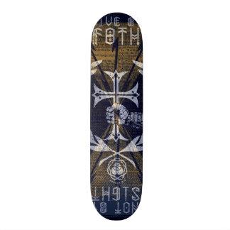 F8THによって住んで下さい スケートボードデッキ