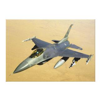 F-16戦いの《鳥》ハヤブサのブロック40の航空機 キャンバスプリント
