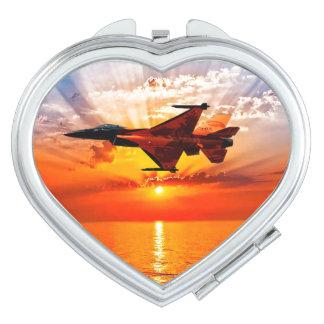 F-16戦いの《鳥》ハヤブサ