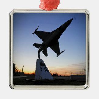 F-16 Cの戦いの《鳥》ハヤブサのスケール・モデル メタルオーナメント