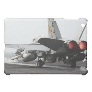 F/A-18Cのスズメバチはフライトデッキ2から進水します iPad MINIカバー