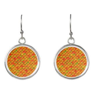 Fallnのオレンジおよび緑のスケール イヤリング