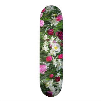 Fallnのロマンチックな春の朝 スケートボードデッキ