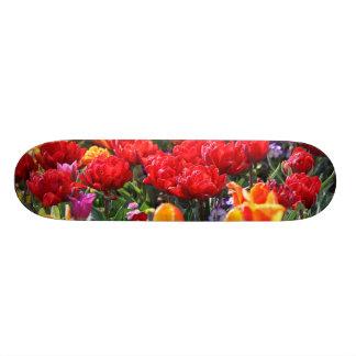 Fallnの花の深紅色の波 スケートボード