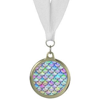 Fallnの虹の泡人魚のスケール メダル