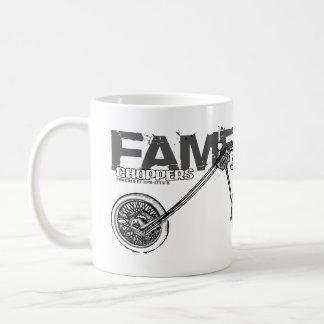 Famelandカスタムなハーレーのチョッパーのマグ コーヒーマグカップ