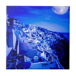 Fira Santorini上のブルームーン タイル