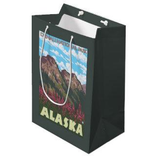 Fireweed及び山- Denaliの国立公園、 ミディアムペーパーバッグ