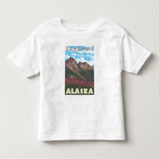 Fireweed及び山- Skagway、アラスカ トドラーTシャツ
