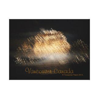 FIREWORKS-BEIGE #3の©のRoseanneのナシ2012. キャンバスプリント