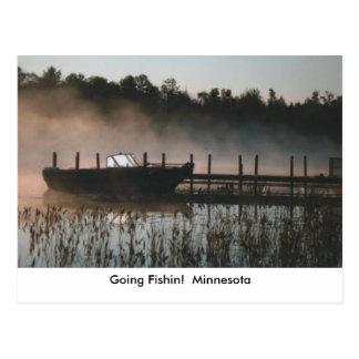 fishinのボートの霧、行くFishin!  ミネソタ ポストカード