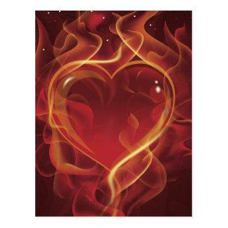 FlamingHeartの火のえんじ色愛はハートの形を炎にあてます ポストカード