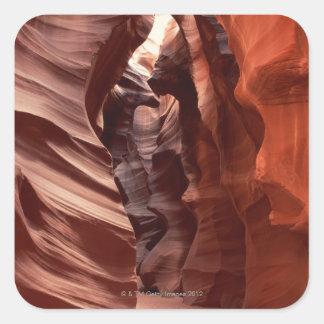 Flashflood腐食させた砂岩形成の スクエアシール