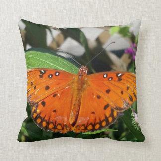 Flutterbyのオレンジ枕 クッション
