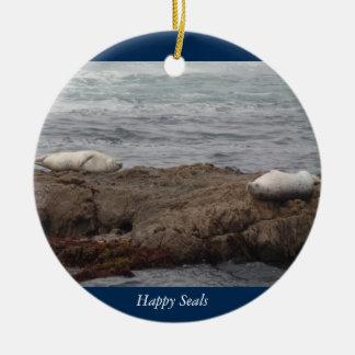 Fort Braggカリフォルニアの幸せなシール・ガラスのビーチ セラミックオーナメント