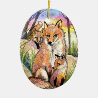 Foxママおよび日没の森のベビーのキツネ セラミックオーナメント