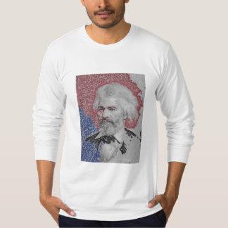 Frederick Douglassの木炭色 Tシャツ