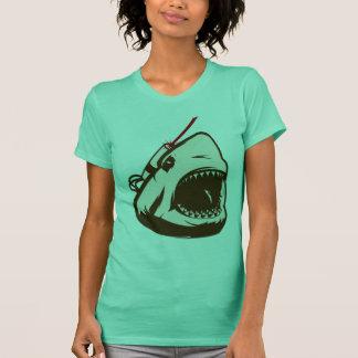 Frickinのレーザ光線を持つ鮫 Tシャツ