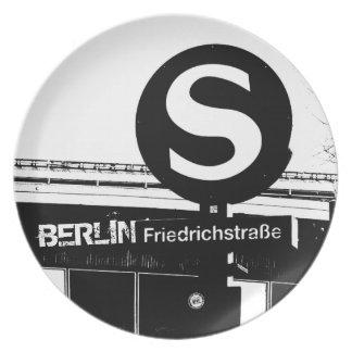 Friedrichstrasse_02.2.T_G_illu、ベルリン プレート